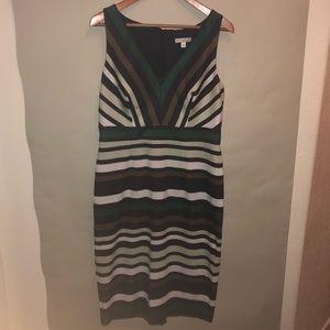 Eva Mendes Beautiful V neck sheath dress